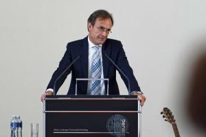 Sebastian Debus ist Klinikdirektor für Gefäßchirurgie am UK Eppendorf in Hamburg.
